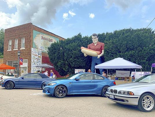Car Clubs Visit Market Weekend